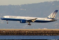 United Airlines N559UA Boeing 757-222