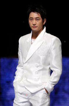 park shi hoo Park Si Hoo, New Star, Asian Men, Korean Actors, Passion For Fashion, Hot Guys, Meet, Kpop, Beautiful