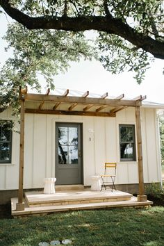 Photo by Carley Page Summers Tiny House Cabin, Tiny House Living, Tiny House Design, Tiny Guest House, Backyard Guest Houses, Tiny House Luxury, Backyard Office, Backyard Cottage, Backyard Studio