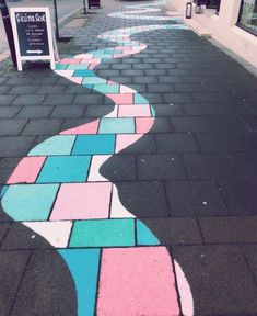 Sidewalk chalk drawings haircut styles for girls with medium hair - Medium Style Haircuts Arte Bar, Fred Instagram, Sidewalk Chalk Art, Sidewalk Ideas, Chalk Drawings, Art Drawings, Chalk Design, Summer Aesthetic, Aesthetic Girl