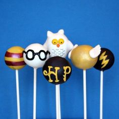 Items similar to 12 Harry Potter Cake Pops with Golden Snitch and Hedwig the Owl, for party favors, movie night, or gift for a J. Rowling fan on Etsy Baby Harry Potter, Harry Potter Motto Party, Harry Potter Torte, Harry Potter Desserts, Harry Potter Thema, Harry Potter Birthday Cake, Harry Potter Baby Shower, Harry Potter Food, Theme Harry Potter