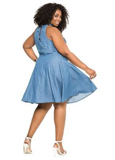 March 6th is National Dress Day, don't wait until then to add pretty new frock to your closest. Check out the 20 perfect spring dresses we are coveting this spring and need right now!  Casual Friday never looked so good.   Currently Obsessed: 20 Plus Size Spring Dresses We Want Now! http://thecurvyfashionista.com/2017/03/plus-size-spring-dresses/