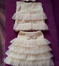 Knitted suit for girls - Babykleidung Gilet Crochet, Crochet Baby, Baby Shower Dresses, Sweater Design, Baby Outfits Newborn, Baby Sweaters, Baby Knitting Patterns, Knit Dress, Baby Dress