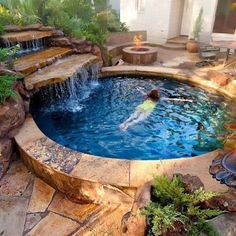 Small Pool Design for Home Backyard 19 Awesome Small Pool Design for Home Backyard Small Pool Design for Home Backyard 18 Small Swimming Pools, Small Backyard Pools, Backyard Pool Designs, Small Pools, Swimming Pools Backyard, Swimming Pool Designs, Backyard Patio, Outdoor Pool, Backyard Landscaping