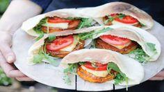 Deze week geven we je elke dag een recept cadeau uit het nieuwste kookboek van Nigella Lawson, Simply Nigella - Licht en luxe feel good food. Vanda...