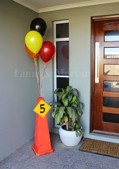 Lime & Mortar: Kids Parties: Construction Party 3 Year Old Birthday Party Boy, Race Car Birthday, Cars Birthday Parties, Birthday Party Decorations, 3rd Birthday, Birthday Ideas, Birthday Banners, Birthday Invitations, Construction Party Decorations