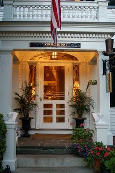 Storm door!!  I need to replace two storm doors at the Florida House...I like the looks of this one!