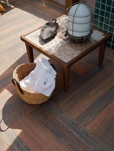 Deixar toalhas sempre a mão é uma ótima ideia durante a temporada de piscina e na casa de praia
