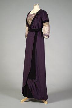 Purple wool and velvet mother-of-the-bride dress, American, 1912, KSUM 1986.20.1.