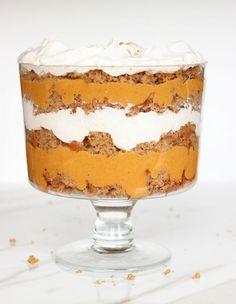 PUMPKIN BUTTERSCOTCH SPICE CAKE TRIFLE. Layers of spice cake, pumpkin butterscotch pudding, and maple cinnamon whip cream. #thegoldlininggirl