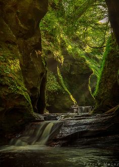 Devil's Pulpit by Teresa Mazur on 500px