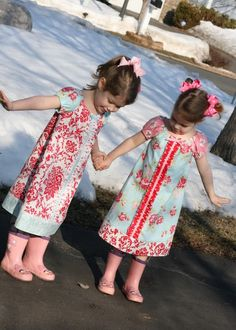 Peasant dress tutorial--if i had little girls instead of all boys, i'd definitely sew this for them!! @rae, when you get married, how 'bout you just have you some twin girls right away, so I can sew this for ya!! :D