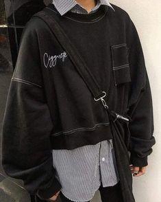 Edgy Outfits, Mode Outfits, Grunge Outfits, Grunge Fashion, Look Fashion, Korean Fashion, Fashion Outfits, T Shirt Fashion, Fashion Styles