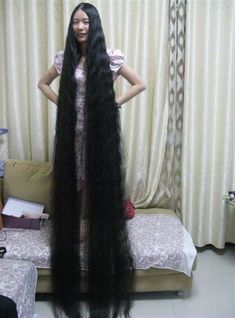Liu Chun shew her 2.3 meters long hair - [ChinaLongHair.com]