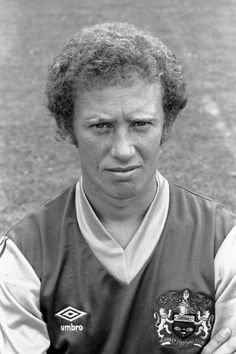 Billy Ingham Burnley Fc Pictures and Photos Friends Reunited, Burnley Fc, English Football League, Soccer League, Back In The Day, Football Players, Nostalgia, Memories, Pictures