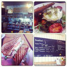 Pranzo @CoffeeIsMyCupOfTea: panino con pollo e avocado, insalata di verdure miste con goat cheese! Yummiii - #londonfood #londonfoodie #londonbar #food #sandwiches #salad #restaurant