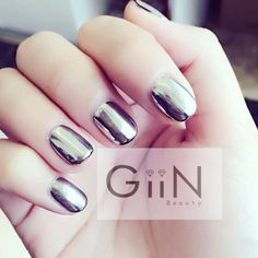 Chrome nails #nails #nail #chrome #chromenails #nailart #nailpolish #gel #shellac #gelnails