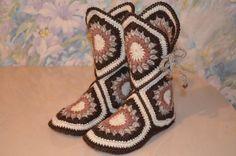 Handmade women's house wool crochet slippers/boots, Any size- Wool Crochet Slippers Crochet Slipper Boots by HeartilyCrochet - Crochet Slipper Boots, Knit Shoes, Crochet Slippers, Crochet Sole, Crochet Purses, Love Crochet, Crochet Crafts, Crochet Projects, Granny Square Slippers