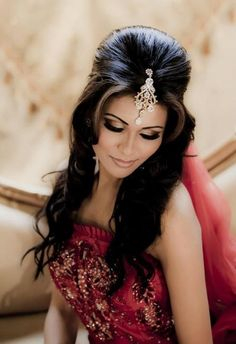 Hairstyle in indian wedding bridal makeup and hairstyle indian bridal hairstyles bridal Indian Bridal Makeup, Wedding Hair And Makeup, Hair Makeup, Eye Makeup, Hair Wedding, Asian Bridal Hair, Makeup Contouring, Bridal Hairdo, Half Updo
