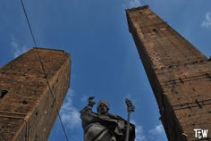 Bologna, Italy Travel, Statue Of Liberty, Mount Rushmore, Mountains, Nature, Liberty Statue, Naturaleza, Bergen