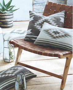 The soft stone washed cotton and tonal colors of the Roost Durango Pillows bring comfort and tranquility to any living space. Traditional tribal motifs are reinterpreted in modern colors of cream, bla