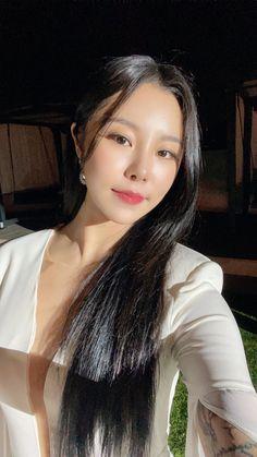 South Korean Girls, Korean Girl Groups, Where Are We Now, Wheein Mamamoo, Album Songs, About Hair, Kpop Girls, Decir No, We Heart It