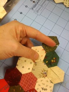 Hexagon Tutorial - Bonnie Hunter. Great tutorial. Via http://quiltville.blogspot.com/2010/10/hexagon-tutorial.html