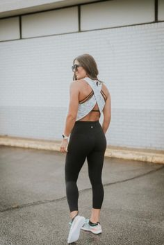 Weekly Workout Routine: Fast As Light Tank Workout outfit Legging Outfits, Nike Outfits, Leggings Fashion, Sport Outfits, Cute Workout Outfits, Womens Workout Outfits, Pants Outfit, Fashion Models, Sport Fashion