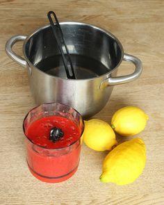2. Blanda vatten, de mixade jordgubbarna och pressa ner citronsaft från citronerna. (Bestäm själv hur mycket citronsmak du vill ha, tillsätt lite i taget). Frisk, Raw Food Recipes, Mixer, Frozen, Food And Drink, Lemon, Raw Recipes, Blenders, Stand Mixer