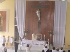 Con gran gozo y alegría este día en que celebramos a nuestra madre Santísima la virgen de Guadalupe y a todas nuestras madres vivas y difuntas. Por manos de nuestro Párroco el Pbro. José de Jesús hoy se instituyeron nuevos ministros y ratifico a los ya existentes, para servir a Cristo en las celebraciones Eucarísticas y para llevarles la comunión a nuestros hermanos enfermos. #ArqTl #GRanMision #YoTocoPuertas.