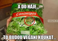 To budou vegani koukat... Great Memes, Good Jokes, Funny Jokes, Hilarious, Funny Numbers, Jokes Quotes, Short Stories, Haha, Comedy