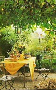 outdoor dining-Ana Rosa