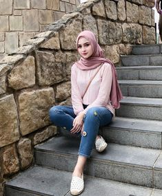 ZAFUL offers a wide selection of trendy fashion style women's clothing. Muslim Fashion, Modest Fashion, Trendy Fashion, Fashion Outfits, Womens Fashion, Sweet Fashion, Casual Hijab Outfit, Ootd Hijab, Hijab Chic