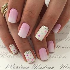 Air nails, Beach nails, Beautiful summer nails, Easy nail designs, Light summer nails, Nails with circles, Nails with rhinestones, Polka dot nails