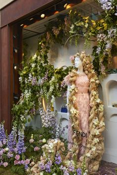 As part of the Sloane in Bloom competition in London, Fendi decorated its boutique windows in Sloane Street with the Rapunzel fairy tale-inspired floral theme and the Micro bags from the SS15 collection.