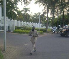 It's Busayolayemi's Blog.. : Boko Haram Leader, Shekau Seen Walking Freely In A...