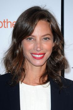 Christy Turlington Tracy Anderson Method, Molly Sims, Influential People, Christy Turlington, Women Lifestyle, Maybelline, Supermodels, Makeup Looks, Pregnancy