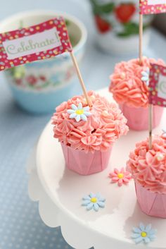 butter cream cup cake, pink