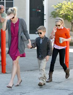 Reese Witherspoon deacon phillippe ava kids hot pink dress gray cardigan pregnant