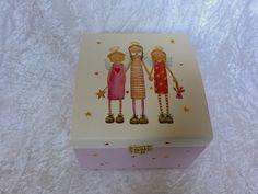 """Dekorative Geschenk-Schatulle """"Kleine Engel"""" von GESCHENKE MIT STIL bei DaWanda. Weitere praktische Geschenke, findest Du hier: www.facebook.com/DanielasGeschenkemitStil und im Online-Shop: www.dawanda.com/shop/GeschenkemitStil"""