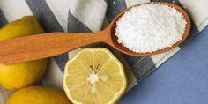 πώς να καθαρίσετε ξύλινες κουτάλες και ξύλα κοπής με αλάτι και λεμόνι