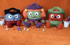 (4) Name: 'Crocheting : Vampire, Witch and Pumpkin bags