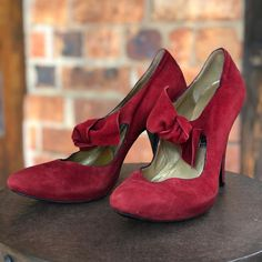 Marketplace for new and preloved fashion Save The Planet, Selling Online, Womens High Heels, Aldo, Second Hand Clothes, Oxford Shoes, Stuff To Buy, Shopping, Fashion