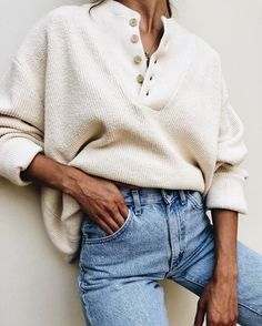 You are looking for stylish and trendy outfits for the cold winter? You are looking for stylish and trendy outfits for the cold winter? still arts looking outfits stylish trendy winter Baggy Pullover, Pullover Mode, Looks Style, Looks Cool, My Style, How To Style, Sweater Fashion, Sweater Outfits, Sweater Dresses