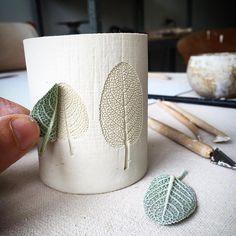 Hottest Pics Ceramics ideas pottery Tips 7 Sublime nützliche Ideen: Kleine Vasen Pottery große Vasen. Concrete Crafts, Concrete Projects, Concrete Design, Vase With Branches, Cement Art, Cement Planters, Clay Planter, Flower Arrangements Simple, Keramik Vase