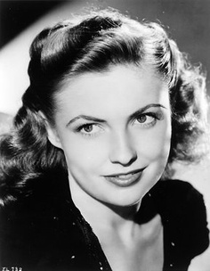 Joan Leslie is still living:) Such a sweet smile with that girl next door quality. Hollywood Canteen, Sargeant York, Yankee Doodle Dandy, The Hard Way.etc and was also an elegant clothing designer. Classic Actresses, Actors & Actresses, Classic Hollywood, Old Hollywood, Hollywood Icons, Hollywood Actresses, Yankee Doodle Dandy, Joan Leslie, Jeanne Crain