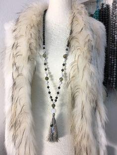Sautoir en pierres semi précieuse. Tassel Necklace, Creations, Jewelry, Fashion, Stones, Pendant, Jewlery, Fashion Styles, Schmuck