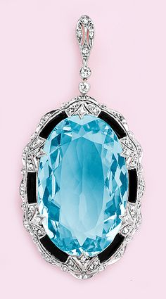 36.01 Carats aquamarine, calibré onyx, diamond, gold and platinum pendant