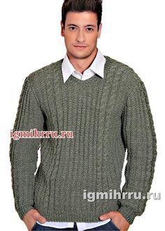 Серо-зеленый мужской пуловер с «косами». Вязание спицами для мужчин