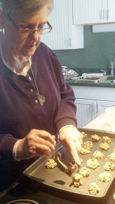 Barry woman sticks 'pretty close to the recipe' for baking up pies, cakes, cookies and breads - Herald-Whig -
